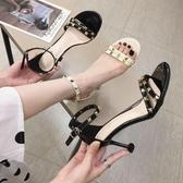 女高跟涼鞋 韓版女鞋子 夏季漆皮柳釘百搭簡約百搭一字扣露趾細跟涼鞋【多多鞋包店】ds4236