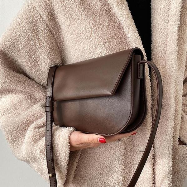 港風復古流行小包包2021新款潮質感韓版馬鞍包休閒時尚斜背包女包 伊蘿