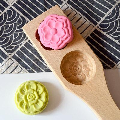 月餅模具 2020新款木質卡通冰皮月餅南瓜綠豆糕點寶寶饅頭家用面食烘焙模具  艾維朵