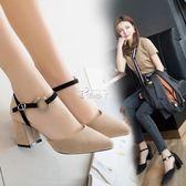 鞋女新款高跟一字扣單鞋百搭韓版粗跟尖頭淺口女鞋 俏腳丫