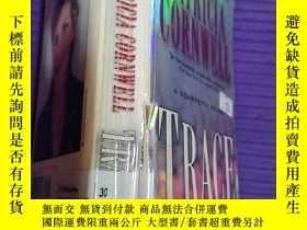二手書博民逛書店外文書《Trace》罕見e架3層Y163703