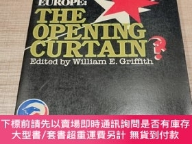 二手書博民逛書店CENTRAL罕見AND EASTERN EUROPE:THE OPENING CURTAIN?( 中歐和東歐:開