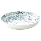 ●手繪藍魚紋樣點綴深盤,讓用餐也有好心情。
