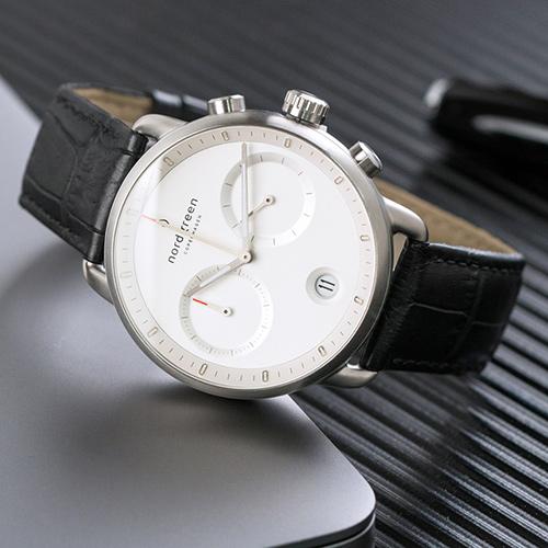 Nordgreen 42mm 極黑鱷魚紋錶帶 Pioneer先鋒 北歐設計師手錶 藍寶石鏡面 計時碼錶 月光銀殼 皓白錶盤