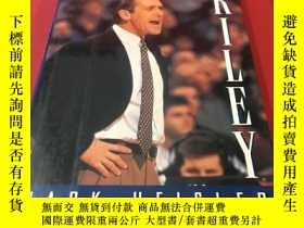 二手書博民逛書店The罕見lives of RileyY259740