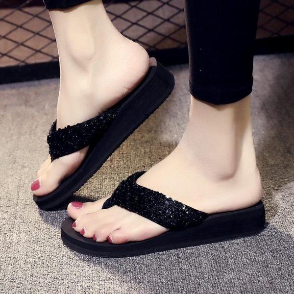 夾腳拖鞋中跟人字拖女夏時尚度假夾腳海邊涼拖沙灘鞋女士外穿防滑厚底拖鞋 喵小姐