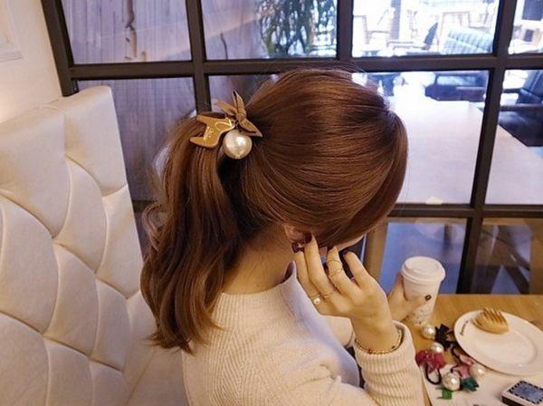 [協貿國際]  韓版頭飾超大珍珠蝴蝶結髮圈髮飾 (5個價)