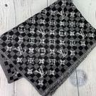 BRAND楓月 LOUIS VUITTON LV 路易威登 M76560 黑棋盤LOGO拼色圍巾 70%羊毛 30%蠶絲