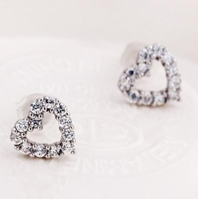 925純銀耳環 鑲鑽(耳針式)-名媛高貴愛心生日情人節禮物女飾品73ag230【巴黎精品】