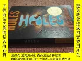 二手書博民逛書店罕見【英文原版】Holes(尋寶小子)Y25633 LouisS