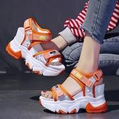 運動涼鞋 運動涼鞋女夏季網紅爆款鬆糕2021新款時尚百搭厚底增高女式時裝鞋 韓國時尚週 免運