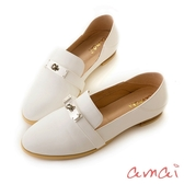 amai 凱莉釦裝飾輕便休閒樂福鞋 白