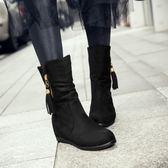 秋冬新款圓頭內增高短靴黑色中筒靴女加絨流蘇馬丁靴坡跟棉靴