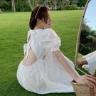 洋裝 三亞沙灘裙女2021新款海邊度假超仙露腰小心機初戀小白裙連身裙夏