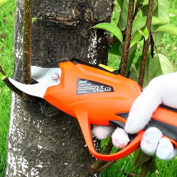 電動修剪樹枝剪刀小型家用果樹充電式多功能園藝高枝剪伸縮高空剪 漫步雲端