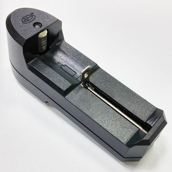 〔3699shop〕18650電池充電器 2600mAh 充電電池 手電筒  電池座充 單槽