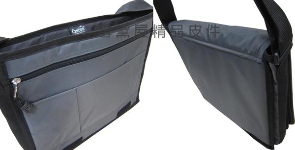 ~雪黛屋~Caution書包側背大容量台灣製造高單數防水尼龍布600D底部延伸車縫耐承重可放A4資料夾ATB5275