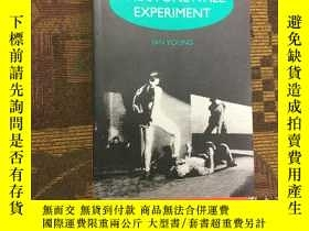 二手書博民逛書店Stonewall罕見Experiment : A Gay Ps
