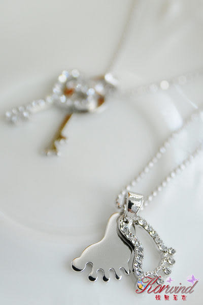 §折扣+活動商品§~韓風著衣~《正韓貨》首爾精選-腳印造型鑲鑽雙重墜飾項鍊
