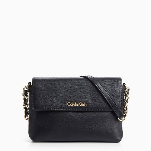 Calvin Klein CK卵石皮黑色鏈帶斜背包