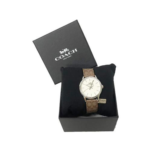 【COACH】經典C 滿版LOGO PVC皮革錶帶小吊牌石英錶女用手錶(棕)