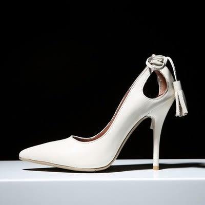 尖頭高跟鞋-淺口鏤空後跟流蘇真皮細跟女鞋子2色73iw38[時尚巴黎]