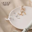 Queen Shop【07030613】簡約霧面交叉造型耳環 兩色售*現+預*