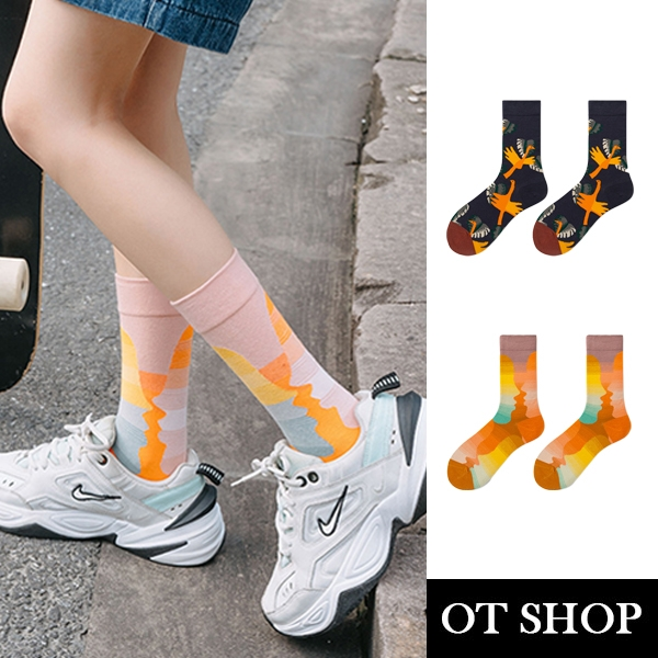 OT SHOP [現貨] 襪子 中筒襪 運動襪 男女 棉質 文藝時尚風 街頭潮流穿搭配件 手勢鳥 親親嘴 M1097