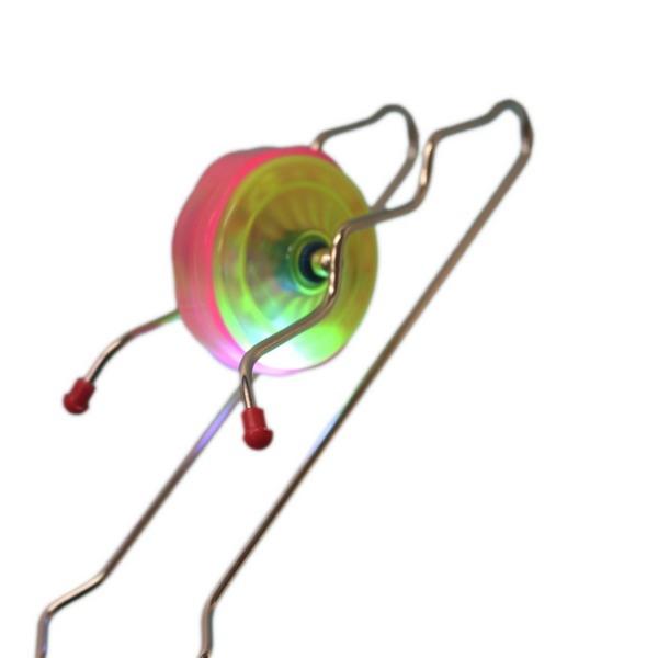 七彩LED燈陀螺 高速旋轉 炫光手搖陀螺/一個入{促70} 發光磁力鐵軌道 魔法棒 溜溜球~CF89362