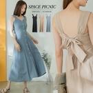 洋裝 Space Picnic|後綁帶排釦肩帶長洋裝(現貨)