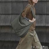 斜背包布袋包女文藝簡約大容量日系學生寬肩帶帆布單肩包 深藏blue