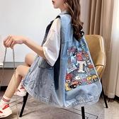 牛仔馬甲 慵懶風牛仔馬甲女寬鬆2021春夏新款韓版印花破洞馬夾外套外穿潮 韓國時尚週