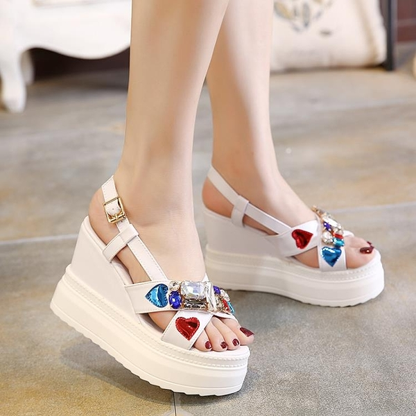 坡跟涼鞋女夏新款防水臺韓版厚底松糕水鉆露趾一字扣高跟涼鞋