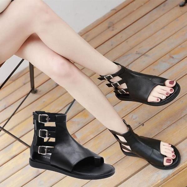 低跟鞋 羅馬復古鏤空夾趾平底女涼鞋夏季低跟皮帶扣黑色涼鞋露趾拉鏈鞋子