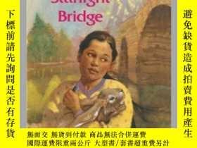 二手書博民逛書店Crossing罕見the Starlight BridgeY362136 Alice Mead Simon