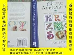 二手書博民逛書店Celtic罕見Alphabets with Borders a