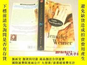 二手書博民逛書店Little罕見Earthquakes Jennifer Wei
