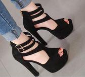 高跟涼鞋 高跟鞋 歐美風超高跟粗跟防水臺後拉鏈細帶黑色絨面女韓版女鞋子【多多鞋包店】ds3974