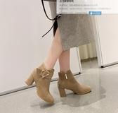 大尺碼女鞋 2019秋季新款時尚顯瘦百搭愛心扣環絨皮高跟短靴~2色