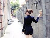 秋裝新款時尚V領掛脖純色長袖連體短褲女潮
