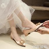结婚鞋新款低跟红色新娘鞋婚纱香槟色婚鞋平底水钻伴娘鞋百搭 可然精品