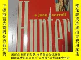 二手書博民逛書店Hunter:罕見the strange and savage