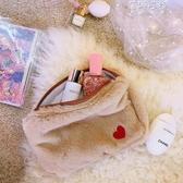 化妝包網紅少女大容量化妝品收納心包小號毛絨可愛便攜式YYP 蓓娜衣都
