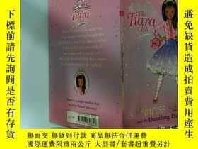 二手書博民逛書店Princess罕見Daisy and the Dazzling Dragon:黛西公主與炫龍.Y200392