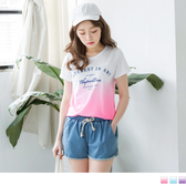 OrangeBear《AB3117》台灣製造.英文燙印漸層下襬T恤.3色--適 XL~5L