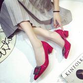 紅色漆皮單鞋女中跟尖頭女鞋淺口鉚釘水鑽粗跟高跟鞋〖米娜小鋪〗