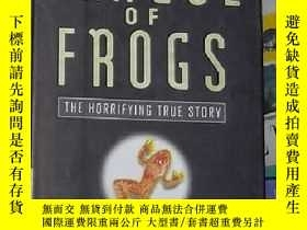 二手書博民逛書店英文原版罕見A Plague of Frogs by Willi