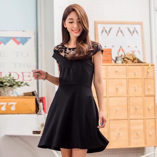 中尺碼*經典黑色透膚花朵蕾絲小洋裝~美之札