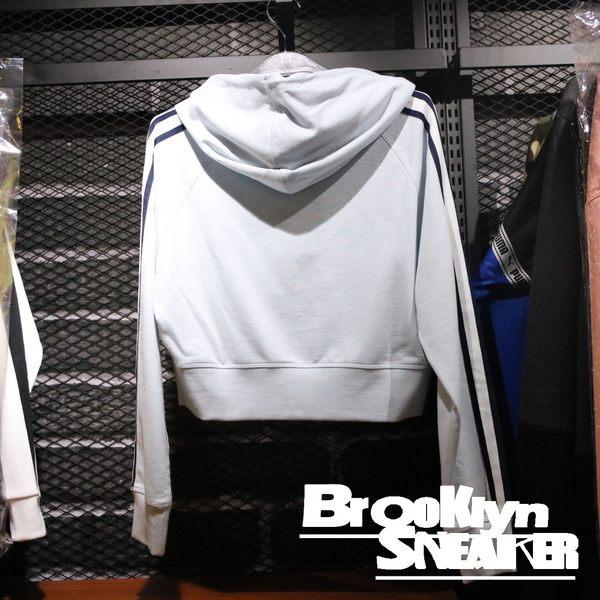 NEW BALANCE  粉藍 深藍邊 短版帽T 女 (布魯克林) 2019/1月 WT91587PSY
