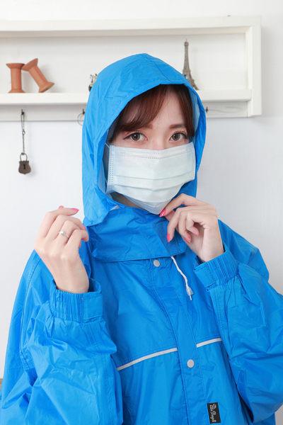 小心空污 附檢驗報告【雨晴牌-抗UV三層不織布口罩】(A級高效能)@成人@材質佳無異味 六色可選購